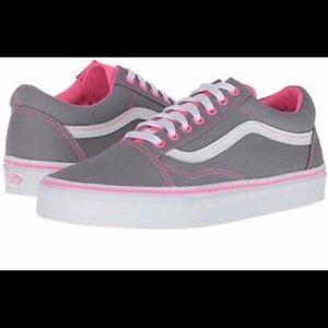 Shoes - VANS old school